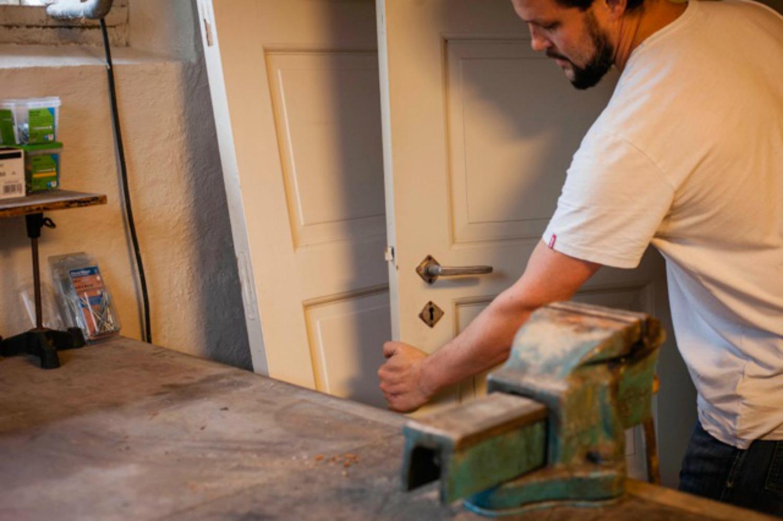 Gjenbruk av originale dørblad i Villa Dammen